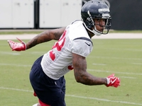 Texans sit Lonnie Johnson after physical joint practice thumbnail