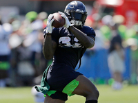 Seahawks OC: Chris Carson should get 50 targets thumbnail