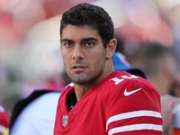 Jimmy Garoppolo throws 5 consecutive INTs in practice thumbnail