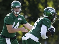 Le'Veon Bell: Sam Darnold 'reminds me a lot of myself' thumbnail