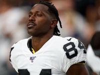 Second Antonio Brown helmet grievance concludes thumbnail