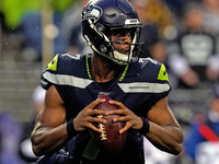 Seahawks re-sign QB Geno Smith day after release thumbnail