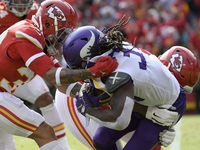 Chiefs defense 'took all 11' players to slow RB Cook thumbnail