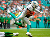 Dolphins RB Mark Walton suspended four games thumbnail