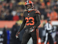 Damarious Randall ejected for illegal hit vs. Steelers thumbnail
