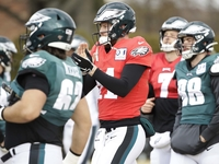 Eagles hold padded practice for 'sense of urgency' thumbnail