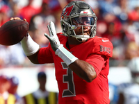 Bucs' Winston (hand) returns after missing one drive thumbnail