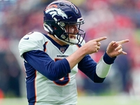 Drew Lock a '(expletive) rock star' in win over Texans thumbnail