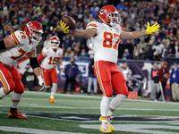 Chiefs clinch AFC West with win over Pats, Raiders loss thumbnail
