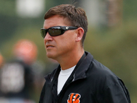 Bears hiring ex-Bengals OC Bill Lazor as their OC thumbnail