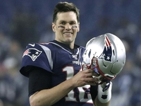 Tom Brady 'open-minded' about where he could play thumbnail