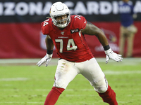 Cardinals agree to 3-year deal with OT D.J. Humphries thumbnail