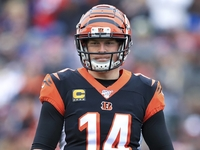 Bengals open to keeping Andy Dalton on roster in 2020 thumbnail