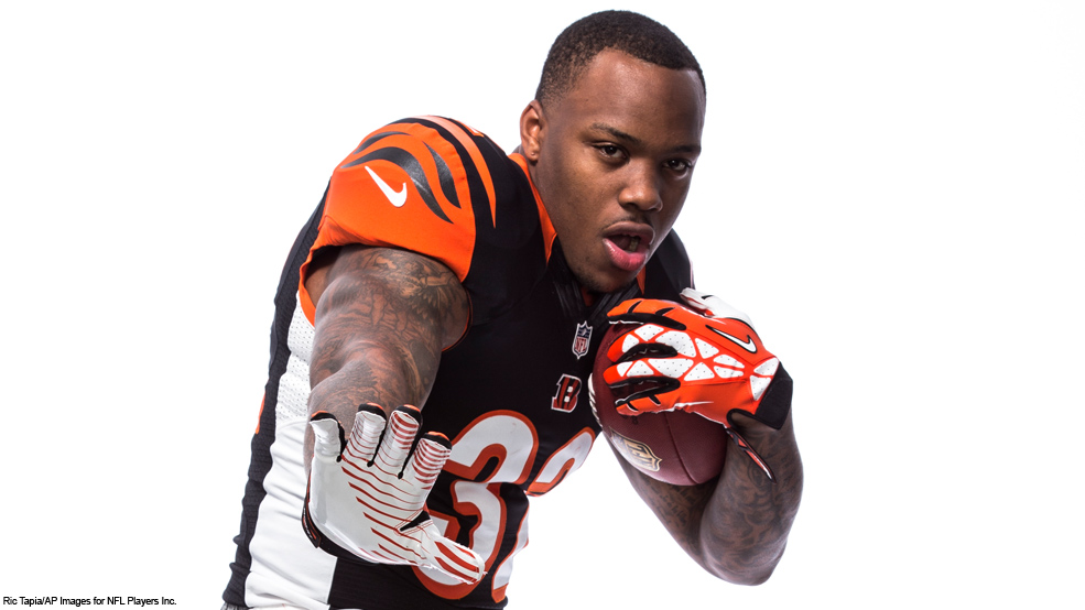 how tall is jeremy hill