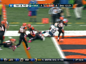 Video - Miami Dolphins running back Reggie Bush TD run