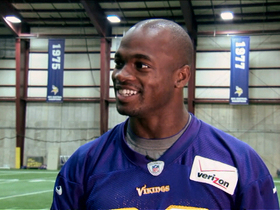 Video - Minnesota Vikings running back Adrian Peterson talks with Ladainian Tomlinson (Digital Extra)