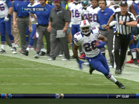 Video - Buffalo Bills running back C.J. Spiller gains 28 yards on screen pass
