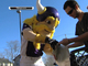 Watch: Vikings give back