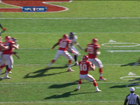 Video - Kansas City Chiefs RB Peyton Hillis misses mark on pass attempt