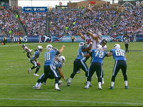 Video - Tennessee Titans QB Jake Locker INT