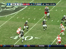 Video - Oakland Raiders CB Joselio Hanson picks off Chiefs QB Brady Quinn