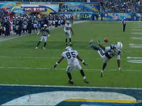 Video - San Diego Chargers cornerback Quentin Jammer interception