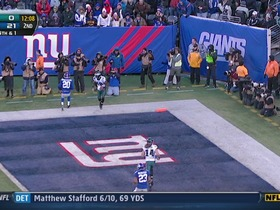 Watch: QB Vick to WR Maclin, 7-yd, pass, TD, 4th down conversion