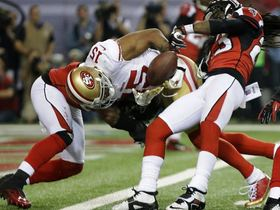 Video - San Francisco 49ers wide receiver Michael Crabtree fumbles at 1-yard line