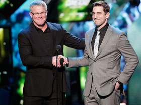 Video - Green Bay Packers quarterback Aaron Rodgers on Brett Favre: 'I think it is time to move forward'