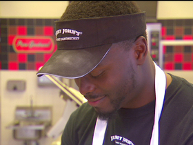 Video - NFL running back works at Jimmy John's