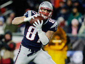 Video - Patriots tight end Rob Gronkowski suffers another setback with his broken arm