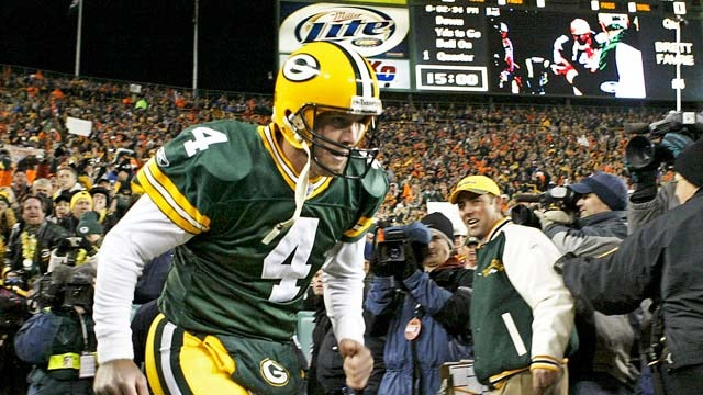 Packers want Brett Favre back in the family