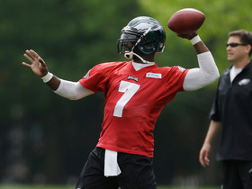 Watch: Vick struggles at Eagles OTAs on Monday
