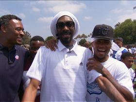 Watch: Vick or Foles? Snoop Lion casts vote