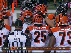 Video - Cincinnati Bengals RB Giovani Bernard runs it in for 1-yard TD