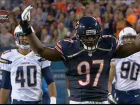 Video - Chicago Bears linebacker J.T. Thomas blocks punt