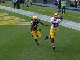Video - After review,Washington Redskins wide receiver Santana  Moss' credited with TD