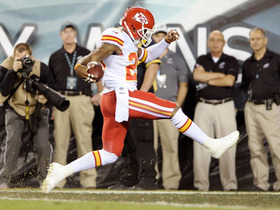 Video - Philadelphia Eagles quarterback Michael Vick throws pick six to Eric Berry
