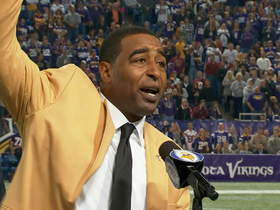 Video - Cris Carter presented with Hall of Fame ring