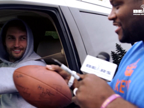 Video - Anthony Adams looking for autographs