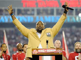 Video - Warren Sapp's jersey retired at halftime