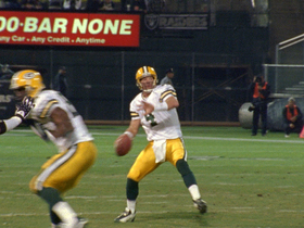 Watch: 2003 Packers vs. Raiders: Favre throws 4 TD passes