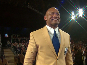Video - Former Arizona Cardinals and St. Louis Rams cornerback Aeneas Williams receives gold jacket