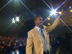 Video - Buffalo Bills all-time leading receiver Andre Reed receives his gold jacket