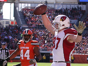 Cardinals Carson Palmer finds Troy Niklas for 11-yard TD