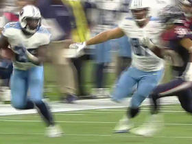 Titans Antonio Andrews rushes for 28 yards