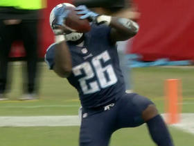 Titans Antonio Andrews' 1-yard touchdown