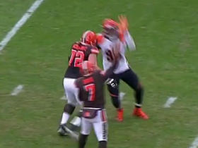 Bengals Rey Maualuga recovers backward pass