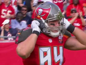 Jameis Winston connects deep to Cameron Brate for 46-yard catch