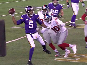 Teddy Bridgewater escapes pressure, converts first down